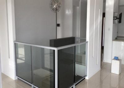 FRAMED GLASS VOID BALUSTRADING