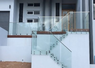 SIDE ATTACHED GLASS BALUSTRADING