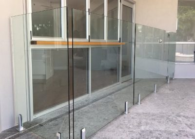 SMALL GLASS POOL FENCE