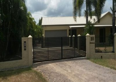 LARGE SLIDING GATE