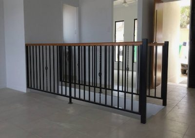 Balustrading with onion baskets